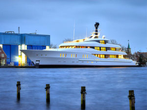 Vanish Feadship_web
